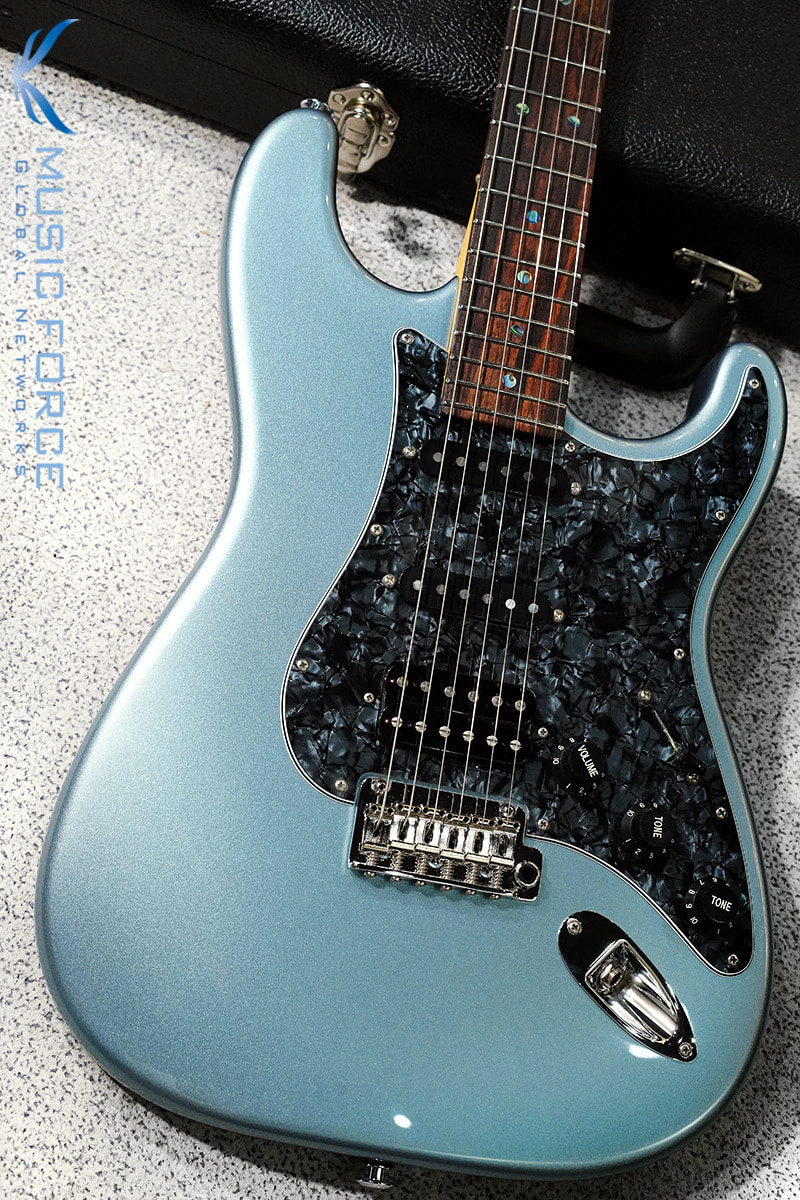 Suhr Custom Classic SSH-Ice Blue Metallic w/Black Pearl PG & Match Painted Headstock(2019년산/신품)